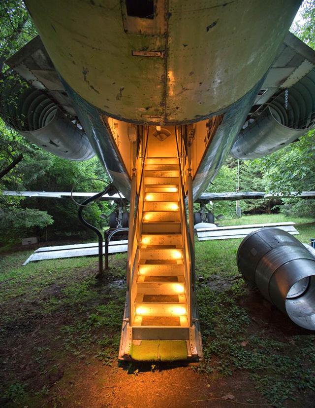 ss-120712-airplane-home-09.ss_fullssssss